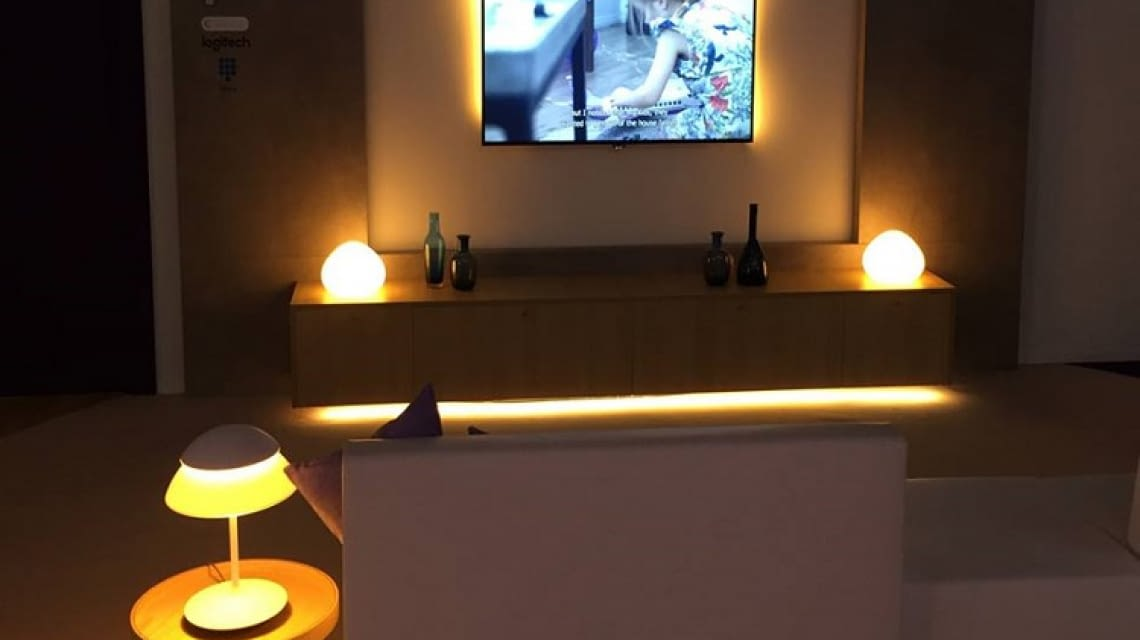 philips hue entertainment ver ndert das film und spielerlebnis. Black Bedroom Furniture Sets. Home Design Ideas