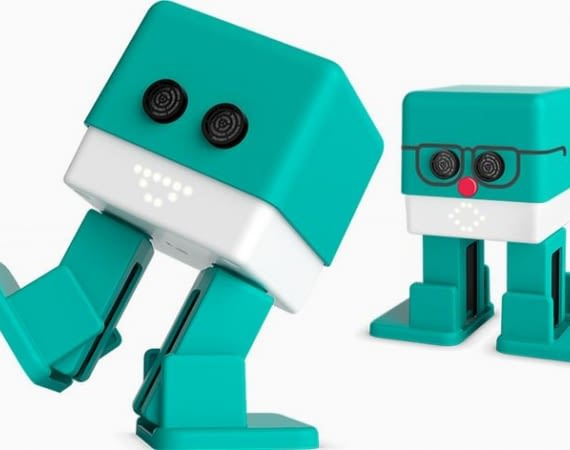 Roboter Zowi ist ein App-Spielzeug, das man bis zum letzten Sensor auseinander nehmen kann