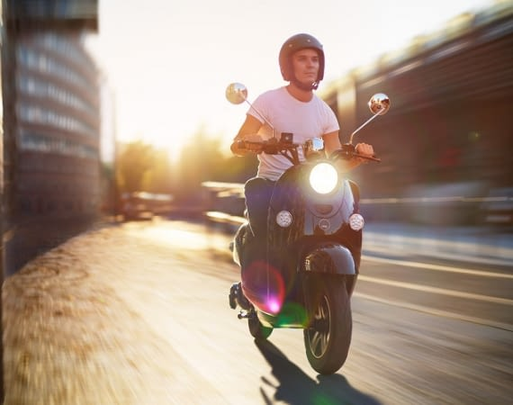 Elektroroller sind die besseren Scooter: Umweltfreundlich und günstiger als Motorroller