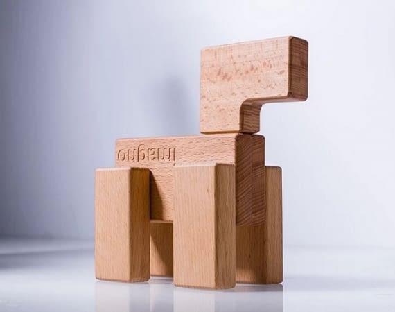 Die imagno-Klötze sind aus Holz und magnetisch - der größte von ihnen ist außerdem ein Mini-Hub