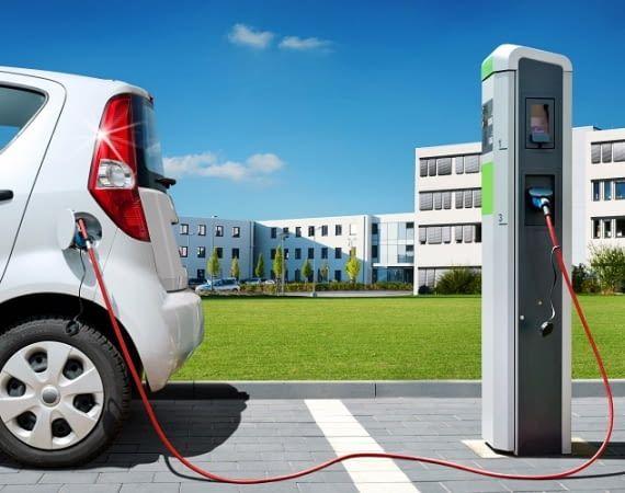 Durch welche Faktoren verringert sich die Reichweite eines Elektrautos?