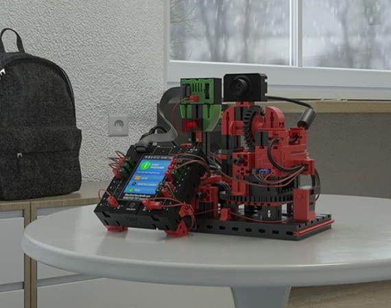 Mit ROBOTICS TXT können sich Kinder ihr eigenes Smart Home bauen