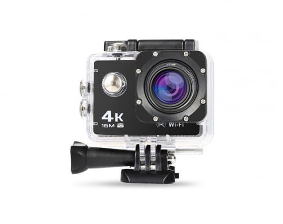 Die NexGadget 4K Actioncam kann z.B. als Helmkamera genutzt werden