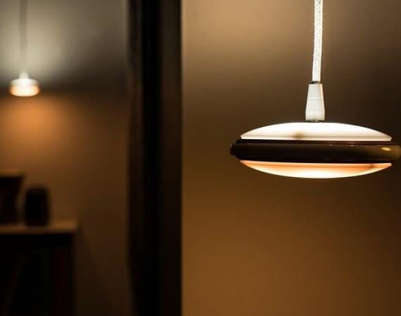 Mit Orb lässt sich nicht nur Farbe und Intensität, sondern sogar die Leuchtrichtung des Lichts regeln