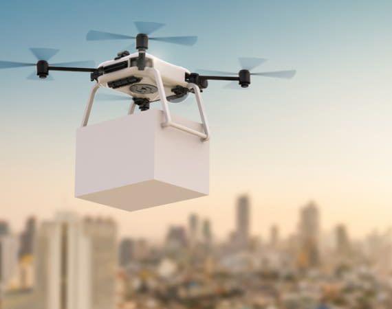 Prime Kunden erhalten ihr Paket zwar noch nicht sofort per Drohne, aber zumindest am nächsten Tag