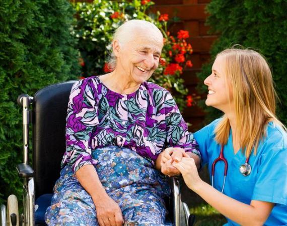 Ambient Assisted Living (AAL) - die Zukunft der Pflege im Smart Home?