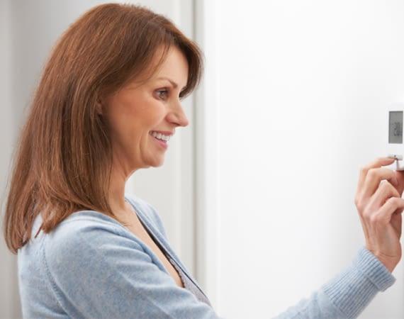 Smart Heizen geht mit intelligenten Wand- oder Heizkörperthermostaten besonders einfach