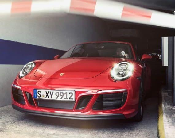 Für Porschefahrer öffenen sich viele Parkschranken bald automatisch