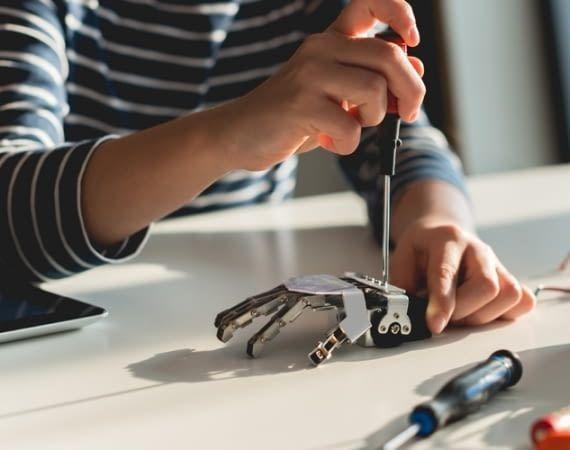 In Zukunft werden Kinder schon früh mit Robotern in Kontakt kommen