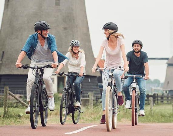 Trekking E-Bikes ermöglichen größere Radtouren, ohne erschöpft am Ziel anzukommen