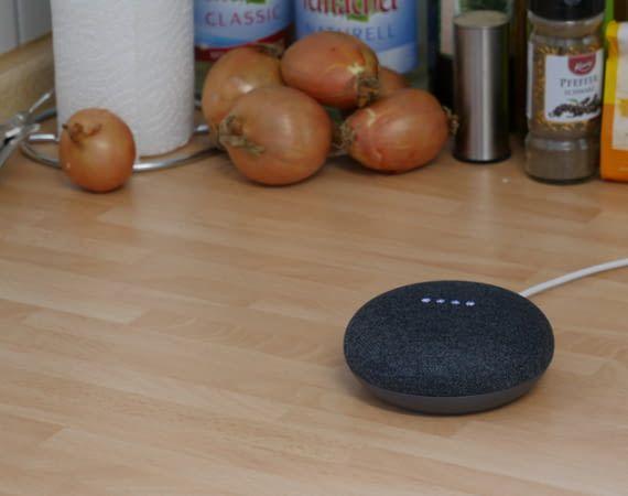 Auch Google Home Mini ist immer und überall auf Empfang eingestellt