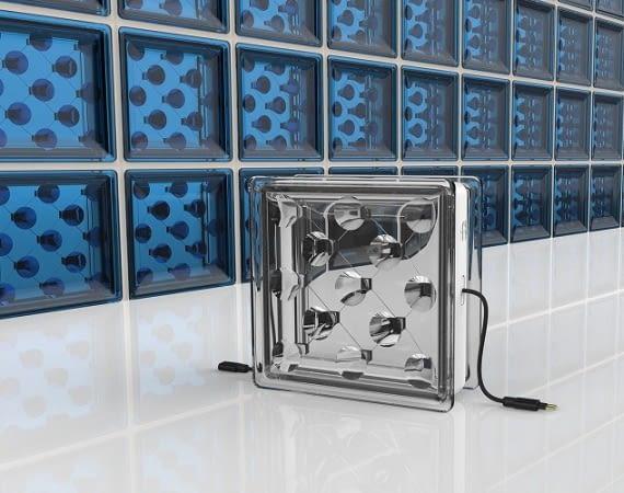 Solar Squared: Glasbausteine statt Dachaufsatz