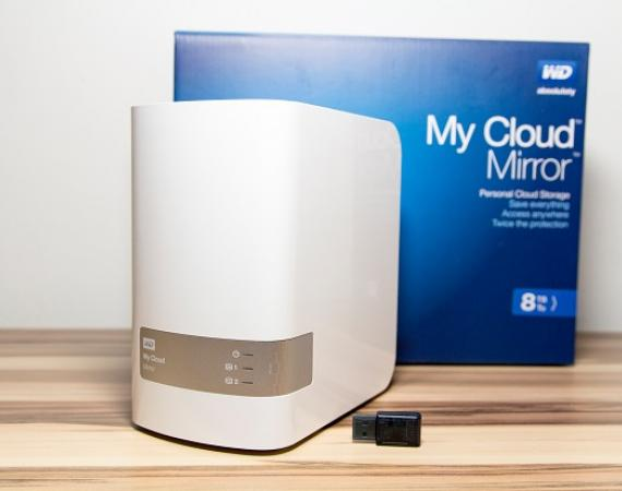 Abbildung des WD My Cloud NAS inklusive Z-Wave Stick