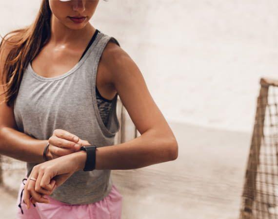 Mit einem Fitness-Tracker lassen sich Trainingsfortschritte besonders einfach messen