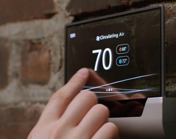 Microsofts Glas zieht in vielen Punkten gleich mit dem Nest Thermostat