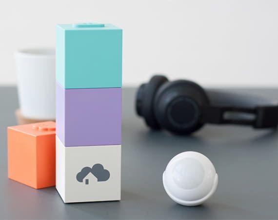 homee besteht aus einem Brain-Modul und lässt sich mit verschiedenen Smart Home-Funkstandard-Modulen erweitern