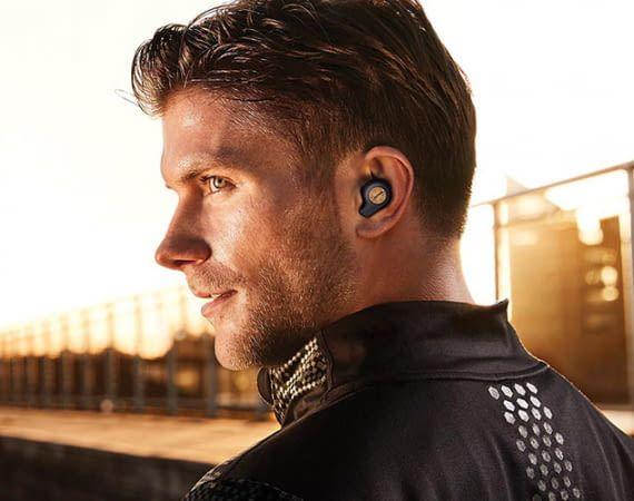 Jabra Elite Active 65t ist ein Alexa-Kopfhörer, der auch vor Schweiß und Regen nicht halt macht