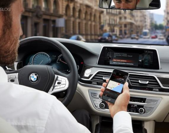 BMW Connected mit Google Alexa Integration