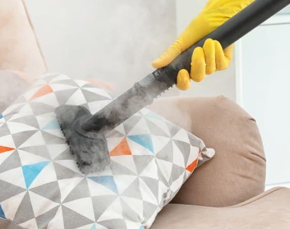 Egal ob klassischer Dampfreiniger oder Dampfbesen, beide reinigen ohne Chemie