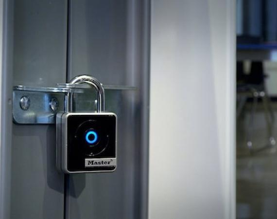 Master Lock Connected Bluetooth Smart Vorhängeschloss 4401EURDLH