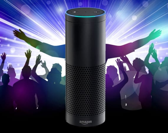 Alexa (mit Amazon Echo) feiert Party in Abwesenheit des Besitzers in Pinneberg