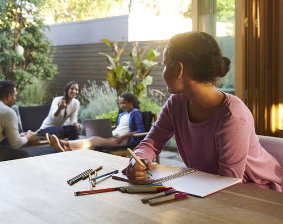 Jedes Familienmitglied kann mit Google Home sprechen und ihm Fragen stellen