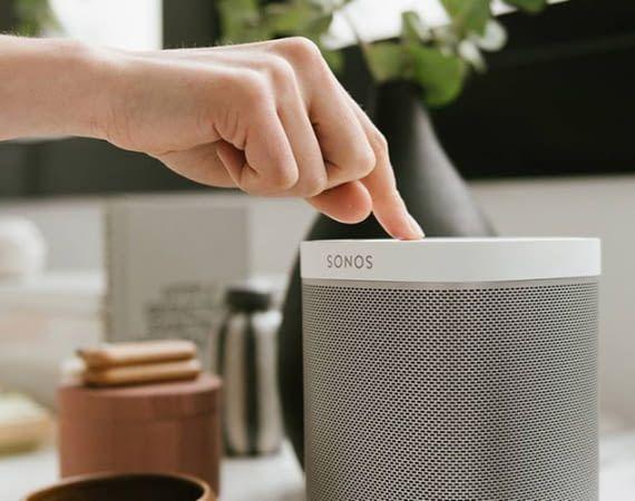 Für das Verbinden von Sonos One mit Alexa ist ein Sonos-Konto und WLAN nötig
