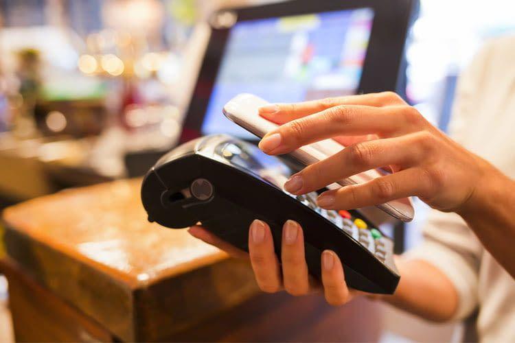 Immer mehr Geschäfte bieten die Möglichkeit mobil zu bezahlen