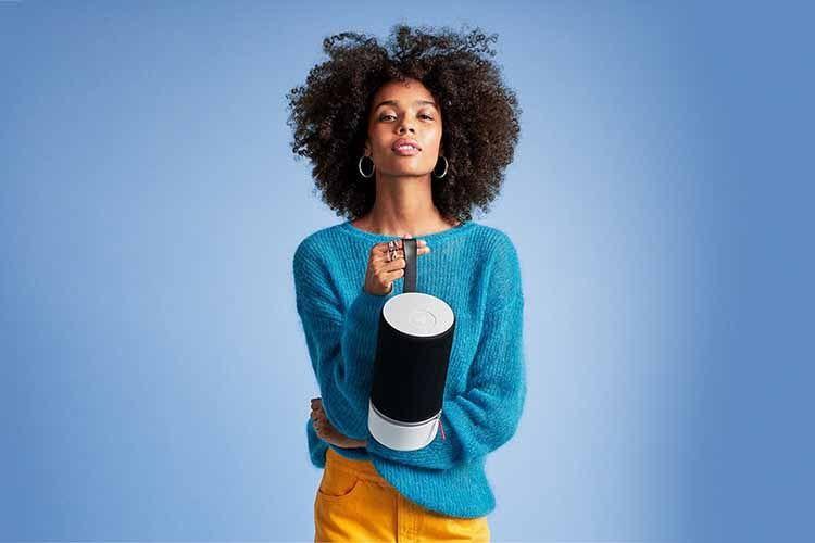 Libratone hat mit dem Libratone ZIPP 2 einen portablen Alexa-Lautsprecher mit Bluetooth und WLAN im Angebot