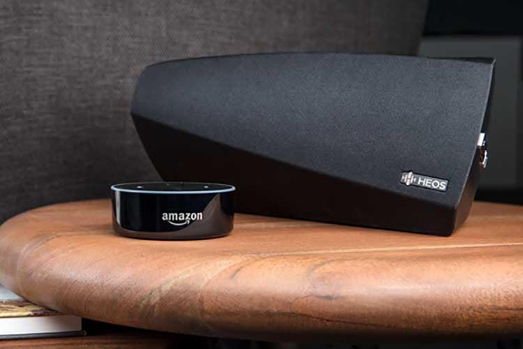 Mit dem HEOS Home Entertainment Skill lässt sich Alexa mit kompatiblen Denon AV Verstärker verbinden