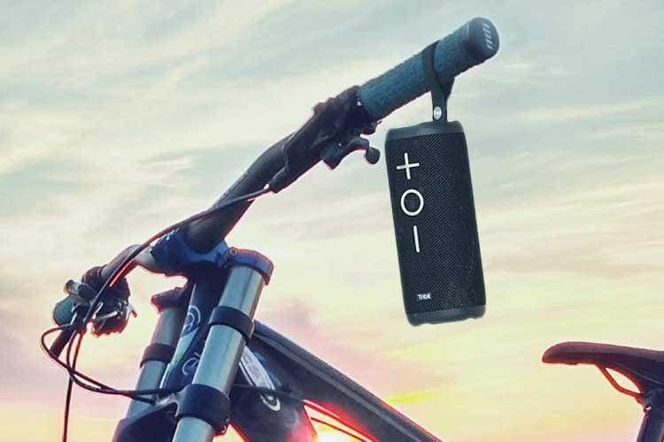 Der Tribit MaxBoom Bluetooth Lautsprecher lässt sich bequem überall hin mitnehmen