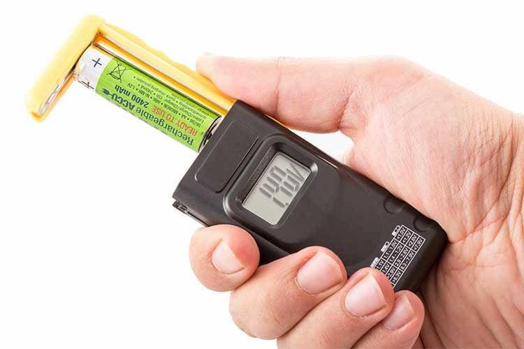 Die besten Batterietester
