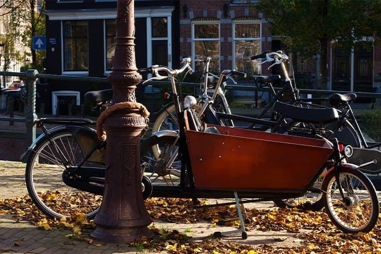 Lastenräder sind teuer und sollten deshalb nie ungesichert abgestellt werden