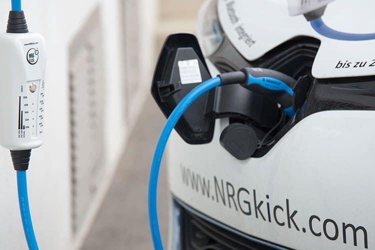 NRGkick bietet eine mobile Wallbox als Kabel an