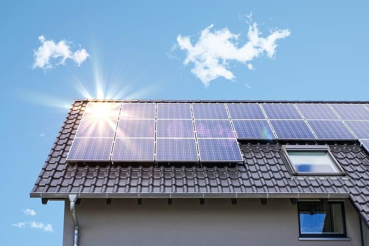 Systemorientierter Einsatz von Photovoltaikanlagen und Energiespeichern macht die Eigenversorgung rentabel