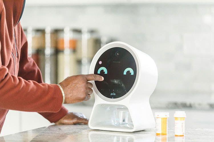Der Mini-Roboter Pria hilft bei der Dosierung von Medikamenten