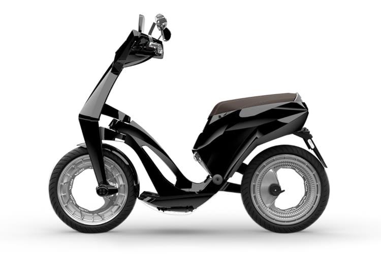 Die ersten Orbitalräder ohne Speichen - am Ujet Electric Scooter