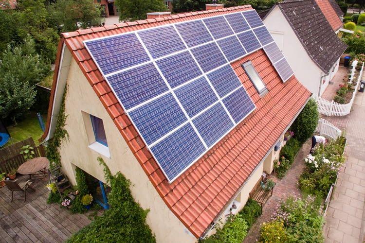 dz 4 die eigene solaranlage einfach mieten statt kaufen. Black Bedroom Furniture Sets. Home Design Ideas