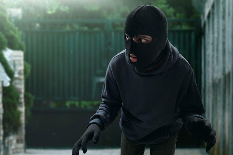 Gegen Einbrecher sollten Bewohner auch den Garten und Außenbereich absichern