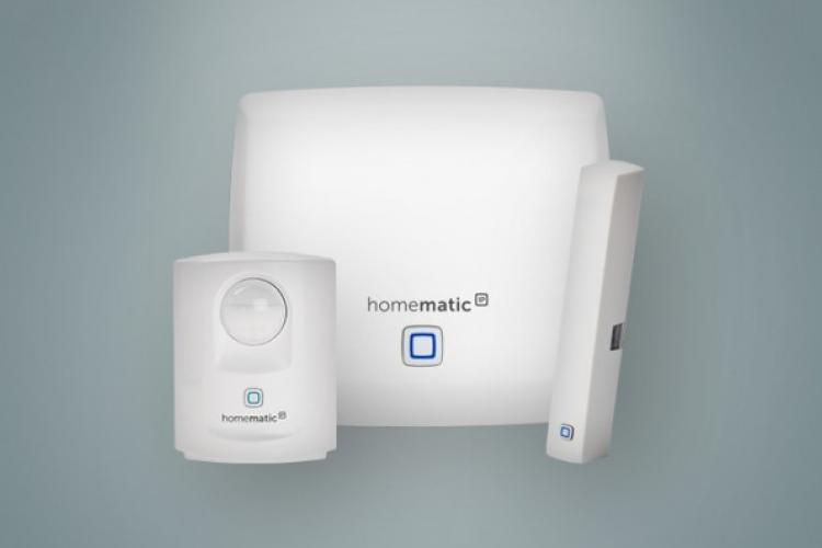 Homematic IP Starter Set Sicherheit: Access Point , Bewegungsmelder und Fenster- und Türkontakt