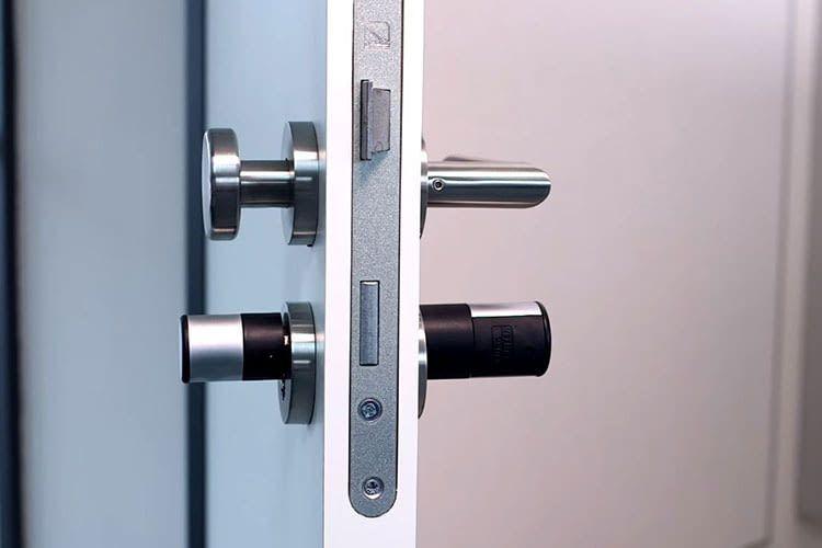 Bei der Montage von dem Türschloss BURG-WÄCHTER TSE 5022 müssen keine Löcher gebohrt werden