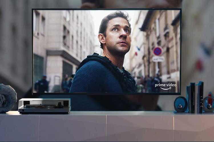 Mit einem Streaming Stick wie Amazon Fire TV 4K UHD lassen sich ältere Fernseher smart machen