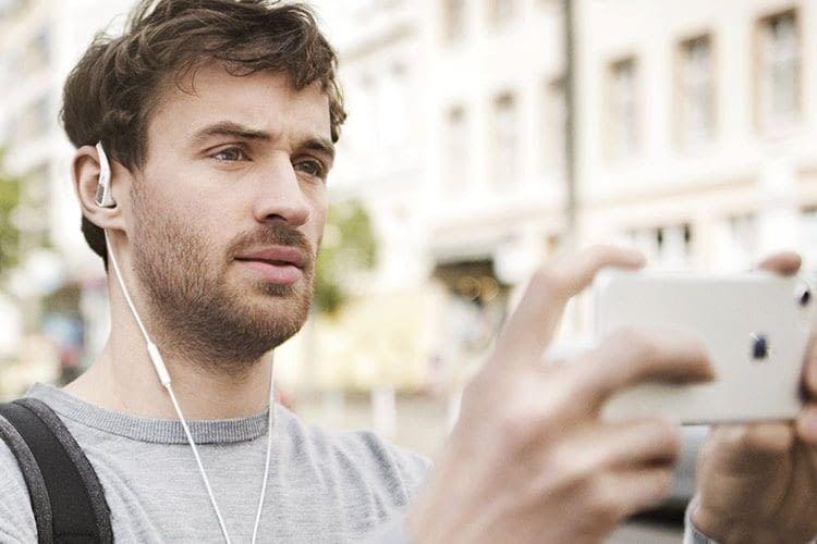 Das Sennheiser AMBEO SMART HEADSET ist erste Wahl für Video-Blogger