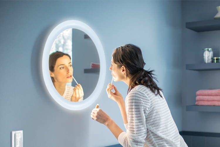 Die smarte Spiegelleuchte ist definitiv das Highlight der Adore-Serie