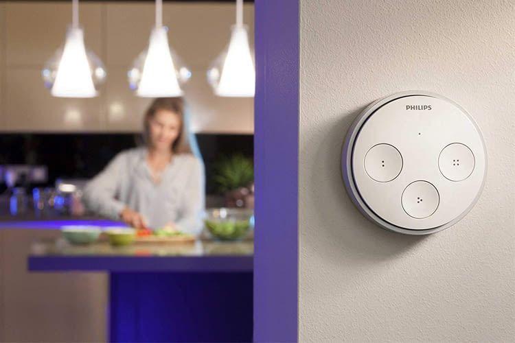 Der Philips Hue Tap Schalter arbeitet kinetisch und benötigt daher weder Kabel noch Batterien