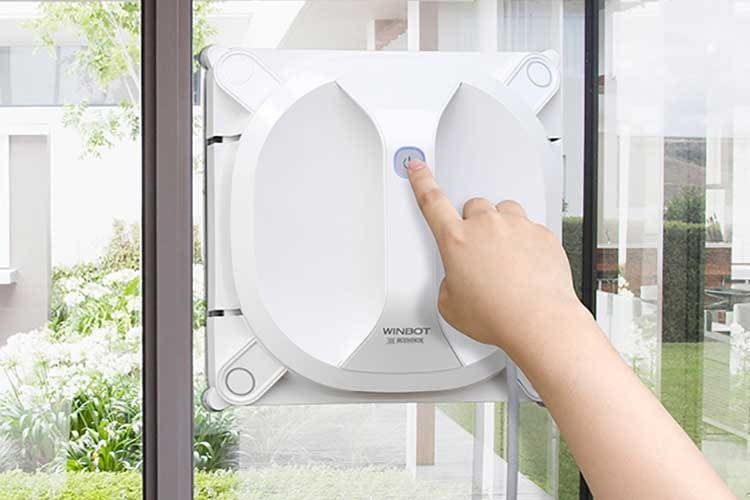 Fensterputzroboter ECOVACS WINBOT X  kommt dank Akku ohne Verbindung zum Stromnetz aus
