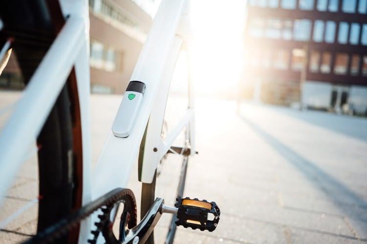 insect fahrrad alarmanlage mit community power. Black Bedroom Furniture Sets. Home Design Ideas