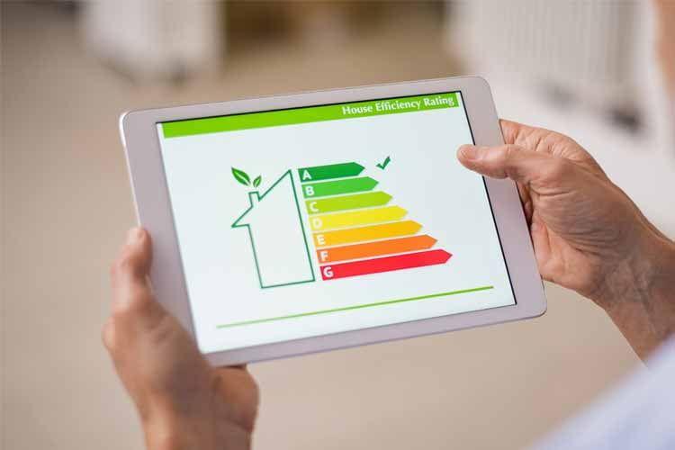 Eine gute Energiesparmaßnahme ist z. B. die Umstellung auf effiziente Haushaltsgeräte