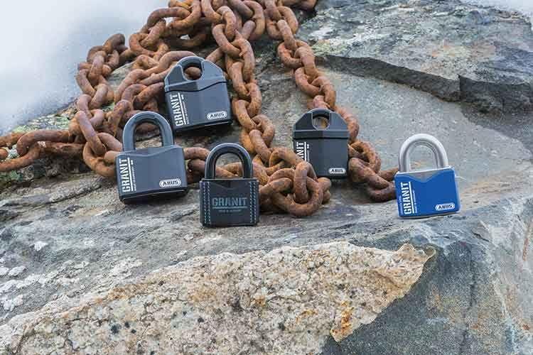 Die ABUS Granit Vorhängeschlösser bieten mehr Sicherheit als herkömmliche Bügelschlösser