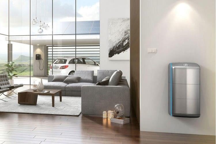 stromkosten senken mit dem energiespeicher von mercedes benz. Black Bedroom Furniture Sets. Home Design Ideas